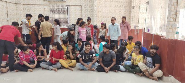 नाटक से सीख सकते हैं स्वयं का विकास-रवींद्र भारती